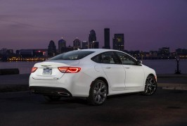 2016 Chrysler 200 90th