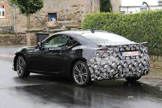 Toyota GT86 facelift spied