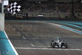 Nico_Rosberg_chequered_flag