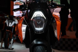 eicma-ktm-1290-super-duke-gt-is-the-all-in-one-power-touring-menace