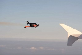 Two jetmans With Jetpacks Fly Over Dubai