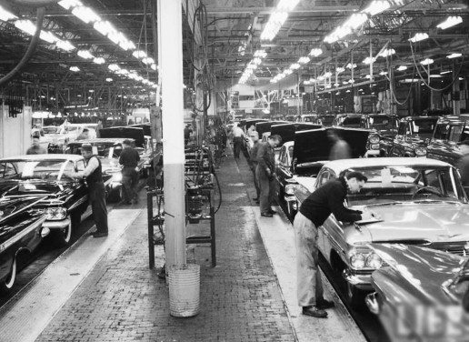 1959-Chevrolet-assembly-line-b