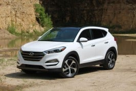 2016-hyundai-tuscon-limited-front-side-angle-2