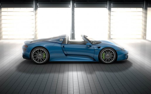Porsche 918 Spyder Liquid Blue Paint