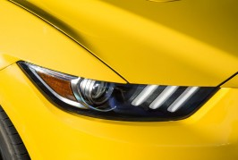 2016-Ford-Mustang-GT-headlamp