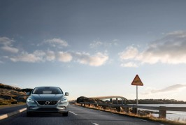 Volvo V40 T4 Momentum Location Front