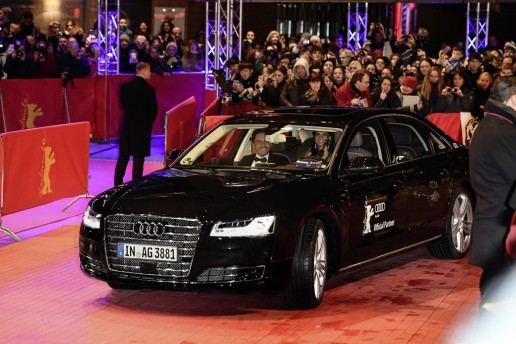 A piloted driving Audi A8 L W12 brings Daniel Brühl to the red carpet