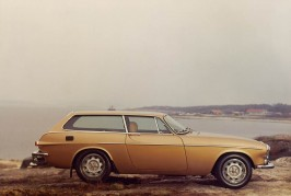 Volvo wagons over the years 09