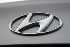 hyundai-elantra-badge