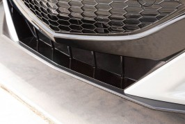 2017-Acura-NSX-front-grille-02