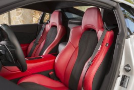2017-Acura-NSX-front-interior-seats-02