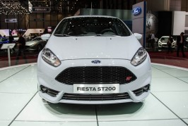Ford-Fiesta-ST200-front-end