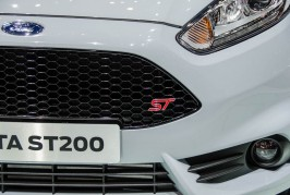 Ford-Fiesta-ST200-grille