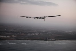 The Solar Impulse 2 airplane, flown by test pilot Markus Scherdel, flies off the coast of Oahu during a test flight from Kalaealoa Airfield in Kapolei, Hawaii, March 3, 2016. REUTERS/Hugh Gentry      TPX IMAGES OF THE DAY