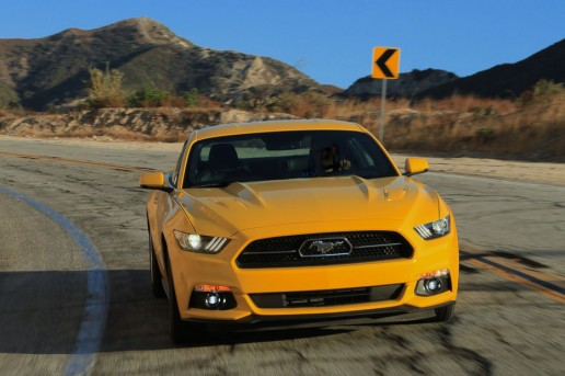 2015-Ford-Mustang-GT-front-end-in-motion-071