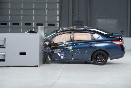 2015-Nissan-Sentra-IIHS-Crash-Test-results
