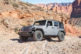 2016-Jeep-Wrangler-Unlimited-Rubicon-Hard-Rock-off-road-front-three-quarter