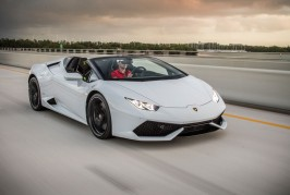 2016-Lamborghini-Huracan-Spyder-front-three-quarter-in-motion-02-2