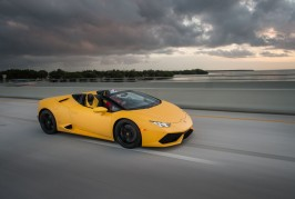 2016-Lamborghini-Huracan-Spyder-front-three-quarter-in-motion-2