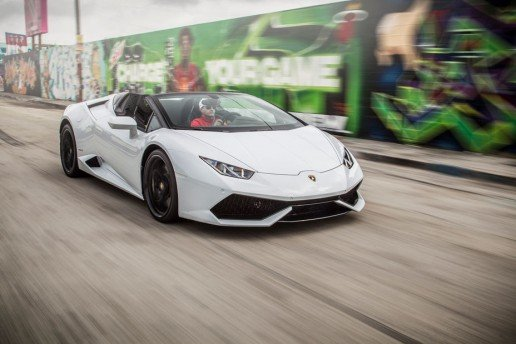 2016-Lamborghini-Huracan-Spyder-front-three-quarter-in-motion-27