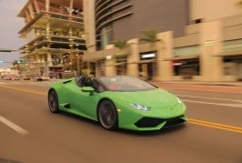 2016-Lamborghini-Huracan-Spyder-front-three-quarters-in-motion-02