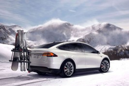 2016-Tesla-Model-X-official-photos-rear-three-quarter-with-accessory-carrier