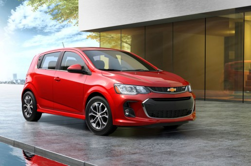 2017-Chevrolet-Sonic-hatchback-3