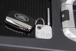 2017-Land-Rover-Discovery-Sport-Tile-Bluetooth-tracking-device-10