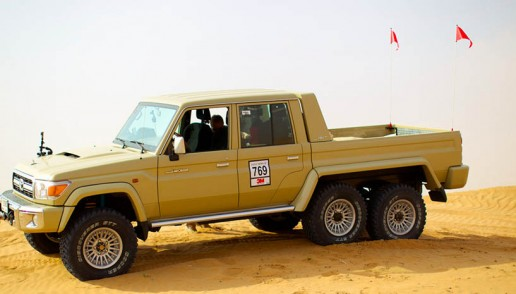 6x6 Toyota Land Cruiser Pickup 01