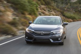 2016-Honda-Civic-Touring-front-end-in-motion-04