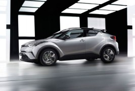2016-Toyota-C-HR-side-profile-in-motion
