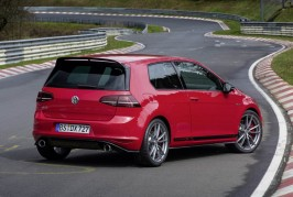 2016-VW-GOLFGTI-ClubsportS-21