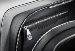 2016-rolls-royce-wraith-luggage-collection-5