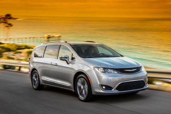 2017-Chrysler-Pacifica-Limited-front-three-quarter-in-motion-05