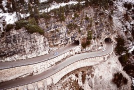BMW-2002-Hommage-aerial-view-tunnel