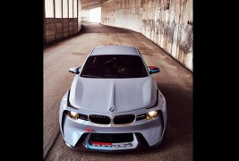 BMW-2002-Hommage-front-view