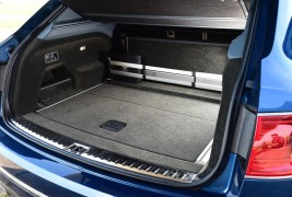 Bentley Bentayga trunk
