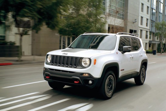 Jeep-Renegade-white-cityscape