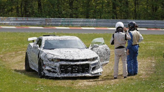 new-chevy-camaro-z-28-crashes-at-the-nrburgring1