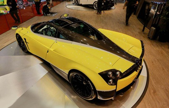 pagani-huayra-pacheto-tempesta-bows-in-geneva-as-track-pack-with-monster-exhaust_7