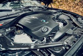 2016-BMW-M2-with-DCT-engine