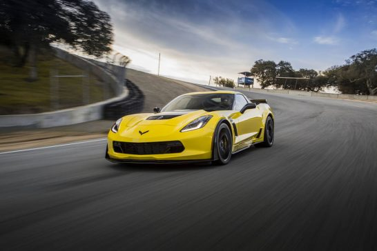 2016-Chevrolet-Corvette-Z06-Z07-front-three-quarter-in-motion-03  پرفروش‌ترین خودروهای اسپرت آمریکا در نیمه اول سال ۲۰۱۶ 2016 Chevrolet Corvette Z06 Z07 front three quarter in motion 03 546x364