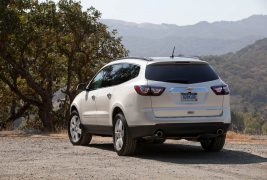 2016-Chevrolet-Traverse-LTZ-rear-three-quarter