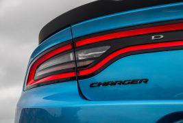 2016-Dodge-Charger-SXT-taillight