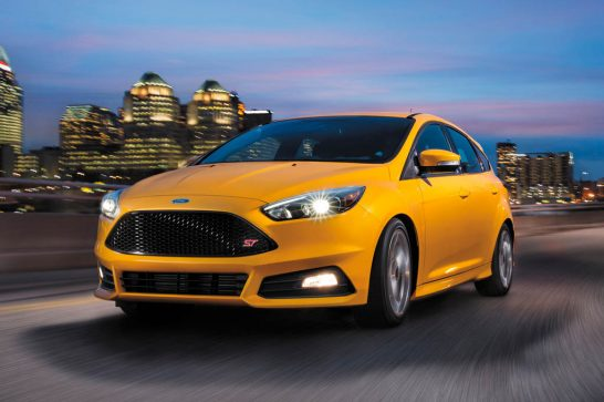 2016-Ford-Focus-ST-front-three-quarter-in-motion