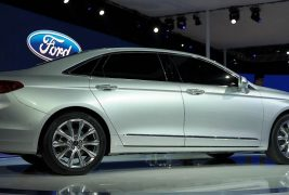2016-ford-taurus-shows-up-in-shanghai-with-long-wheelbase-premium-features-live-photos_7