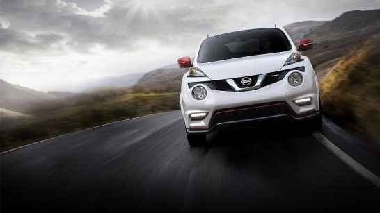2016-nissan-juke-nismo-front-profile-highway-driving