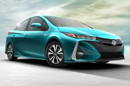 2017-Toyota-Prius-Prime-front-side-view