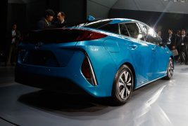 2017-Toyota-Prius-Prime-rear-side-view-show-floor