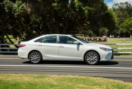 2017-toyota-camry-xle-6